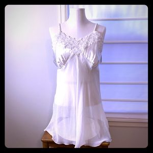 Linea Donatella gown & thong